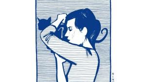 Un chat sur l'épaule